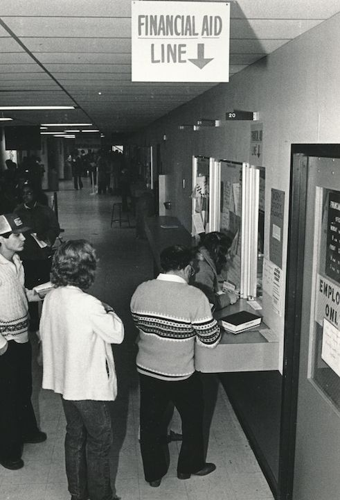 Long line for Financial Aid