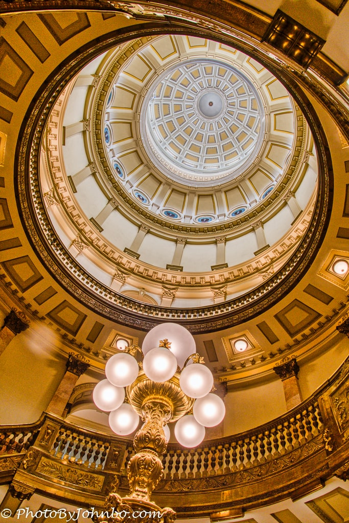 capitol building dome looking up